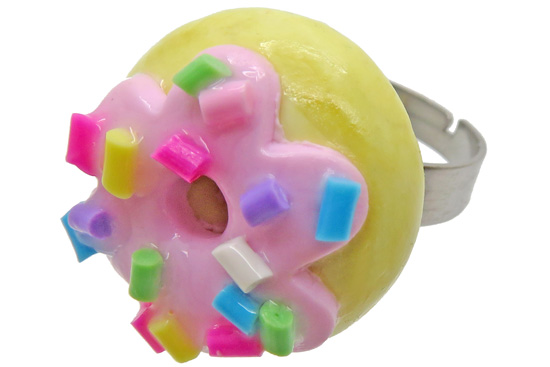 Donut ring voorbeeld van Fimo klei